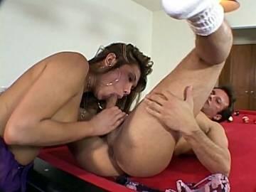 Cock Gobbling Shemale Niki