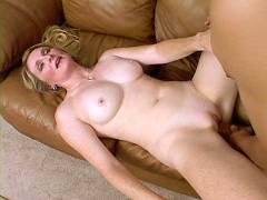 MILF Ashley Pink Pussy Probing