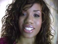 Ebony MILF Sydnee Blowjob