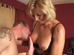Mature MILF Debbie Satisfied