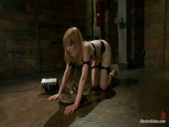 ElectroSluts: Bobbi Starr And Mallory Mallone 3