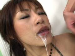 Hot Asian babe double suck off
